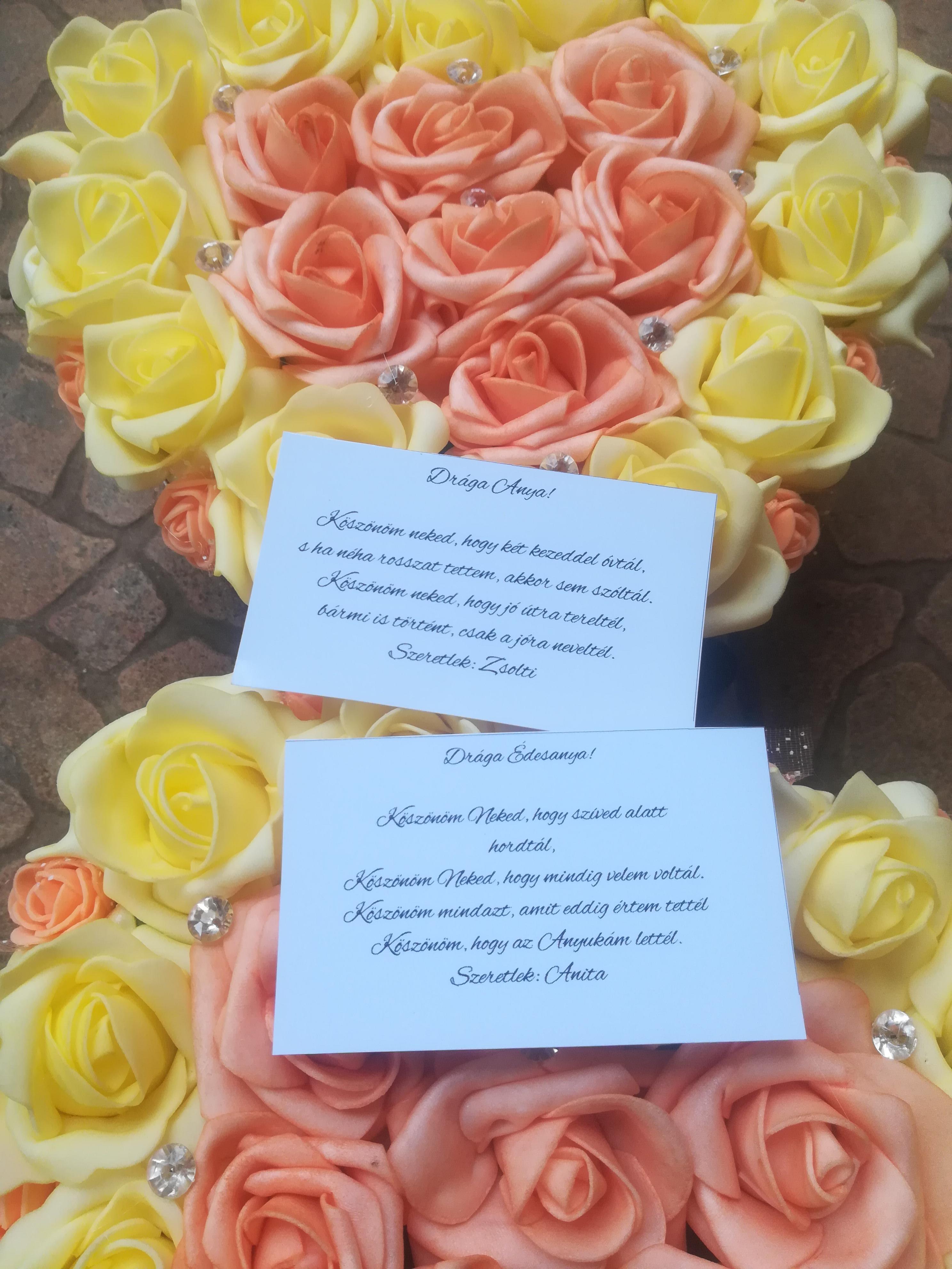 Esküvői szülőköszöntő rózsaboxok egyedi szöveggel