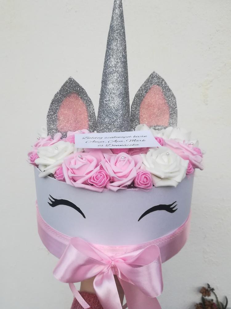 Unikornis rózsabox rózsaszínből